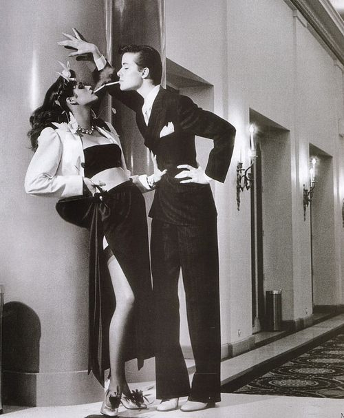 Gia Carangi (left) in Helmut Newton's famous fashion photograph.