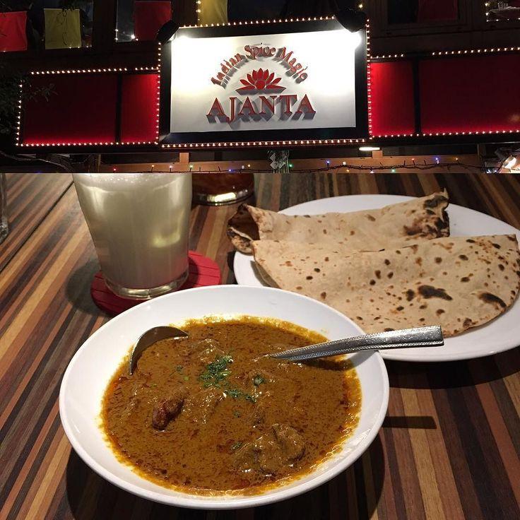 マトンカレーとチャパティ 今年もアジャンタのマトンカレーで食べ始めいつも変わらぬ味で美味しい(値段は随分変わったが(;) #アジャンタ #マトンカレー #麹町 #カレー #curry
