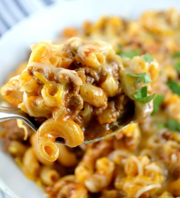 This recipe forOne Skillet Cheesy Chili Mac is really, really, really, a dream come true! Three reallys? Yes, three reallys! Delicious pasta, yummy meaty chili and gooey cheese. All made in one skillet? No separate huge pot to boil the pasta. No colander. Easy clean-up? Prepackaged shredded Mexican blend cheese is even preferred over buying …