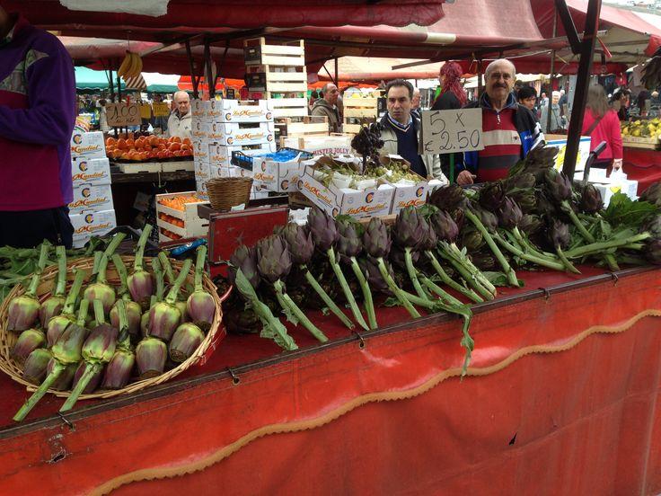 Varieties of artichoke on the Porta Palazzo market