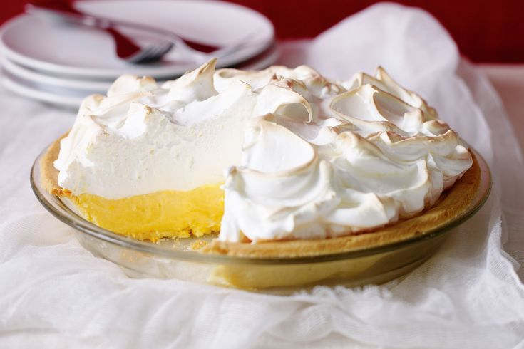 A+crispy+base,+tangy+citrus+centre+and+fluffy+meringue+top+makes+this+a+pie+to+die+for.