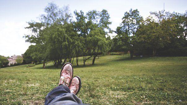 Městský Park, Nohy, Tráva