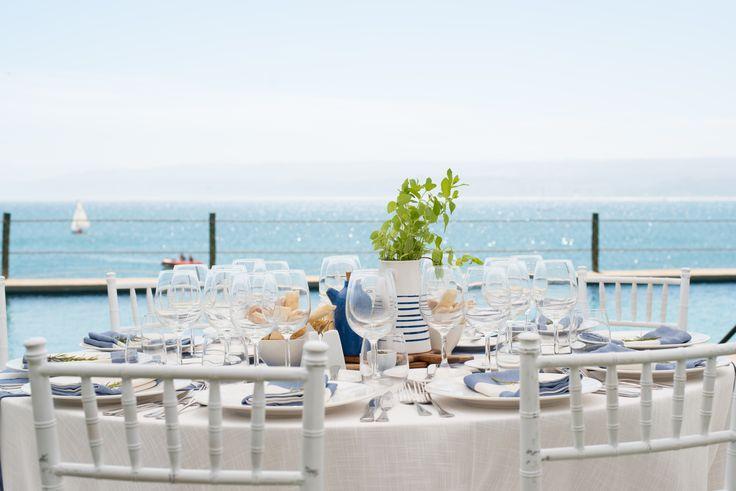 Matrimonio Espacio Gastronómico. Con vista al mar... #Matrimonio #Banqueteria #Decoracion #Mesas #VistaAlMar #Navy #Boda #Wedding #Catering #SeaView