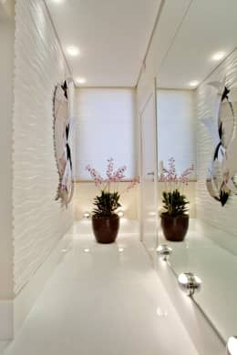 modern Corridor, hallway & stairs by Designer de Interiores e Paisagista Iara Kílaris