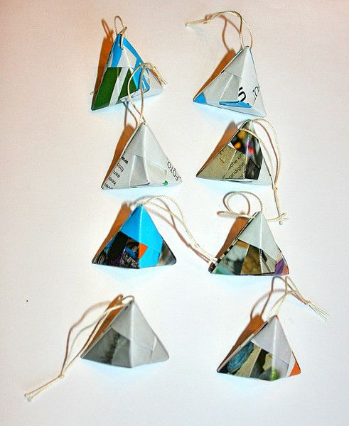 recycled papieren decoraties kerstboom van LeafyLife op DaWanda.com