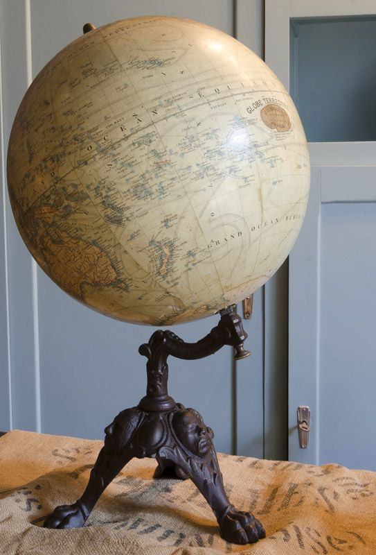 latest globe terrestre with globe terrestre maison du monde. Black Bedroom Furniture Sets. Home Design Ideas