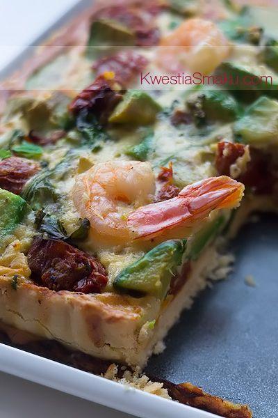 Tarta z awokado i suszonymi pomidorami
