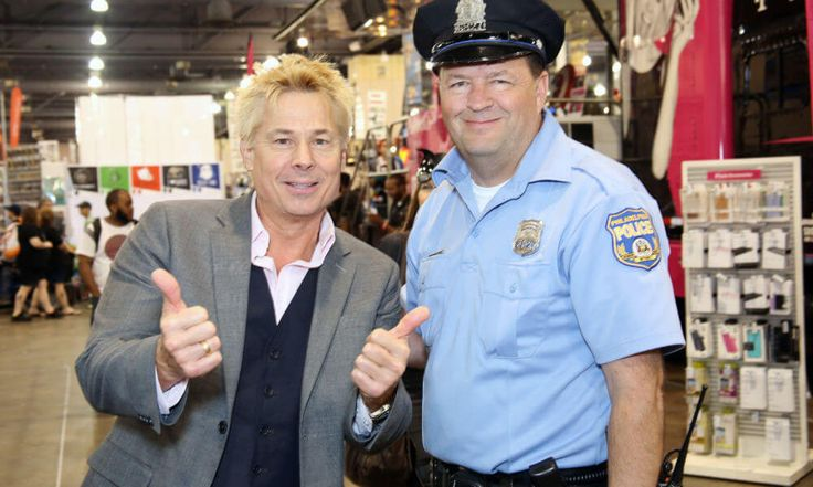 Kato Kaelin and family win raffle at Brewers game = When it comes to sports, Kato Kaelin's name is known in connection to that of O.J. Simpson, as he stayed in Simpson's guesthouse and was a witness in the Nicole Brown Simpson/Ronald Goldman murder trial during the mid-1990's. Kaelin, who has also been.....