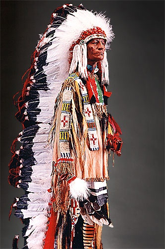 Each feather In a Sioux Chief's long bonnet recognizes a valuable deed & service rendered to the Tribe. Among the plains Indians, a Brave was allowed to wear a bonnet as recognition of his battle accomplishments, frontline valor and hand to hand combat. A war bonnet was believed to protect the fighter. Each feather was awarded for an important act in battle.