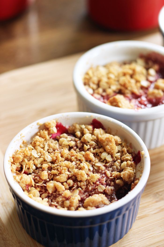 Personal Cherry Crumbles | Life as Mom - Bake up individual cherry crumbles for a delicious dessert any time of year. (Psst, but particularly fun at Valentine's Day.)