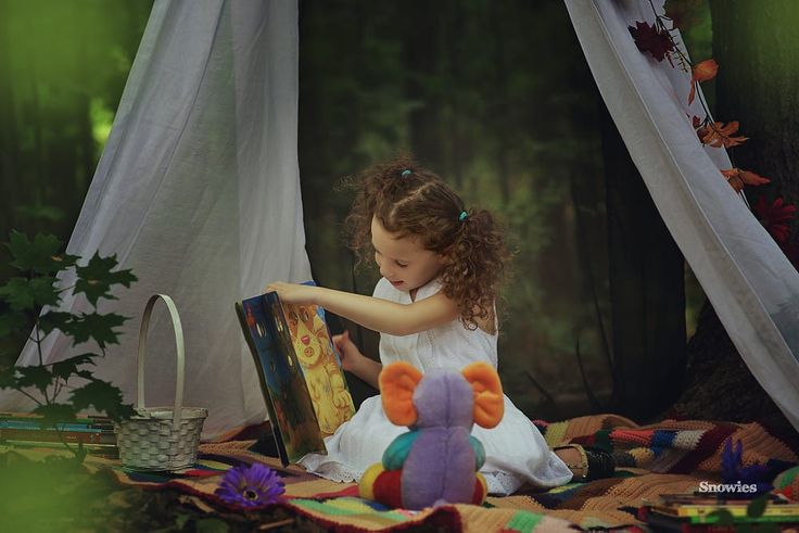 Reading to Ellie by Karen M on 500px