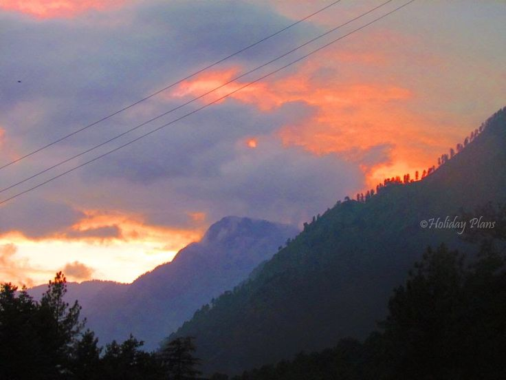 http://planning4holidays.blogspot.in/2015/01/kasol-mini-israel-of-india.html .. Sunset in the mountains .. #scenic #valley #parvati #river #untouched #hills #mini #israel #bank #low #population #Himalaya #Sarpass #yanker #pass #Kheerganga #Kasol #Himachal #Pradesh #India #HolidayPlans #sunset