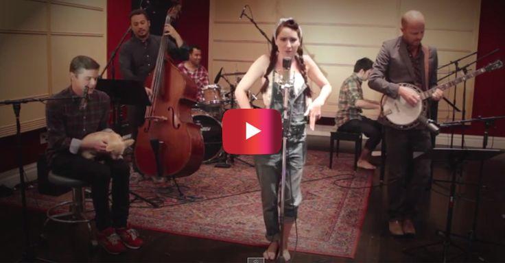 "This bluegrass version of Nikki Minaj's ""Anaconda"" will make you love the song even more   Rare"