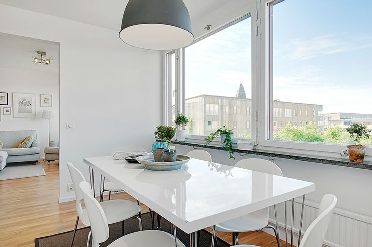 How to Design a Luxury Home With a Clean White Color for Dining Room