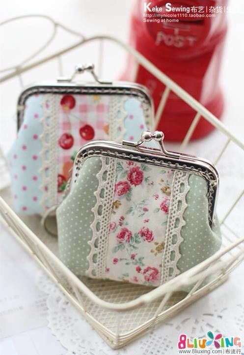 Excellent photographic tutorial/instructions for pretty clasp purses                                                                                                                                                                                 More