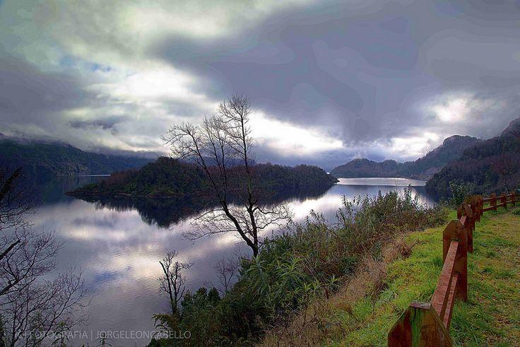 Mirador y nubes - Lago Panguipulli (Chile)