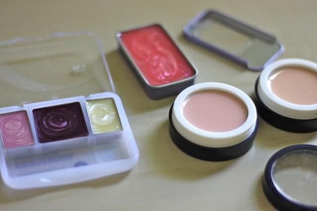 How to make pretend makeup: Little Girls, Nail Polish, Girl S Pretend, Pretend Make Up, Tutorial, Dress Up, Pretend Makeup, Kid