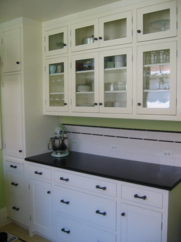 1000 images about kitchen outlets on pinterest subway for How to lay backsplash around outlets