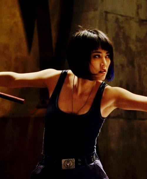 Rinko Kikuchi es Mako Mori en Pacific Rim Perfecta peleadora con una gran disciplina