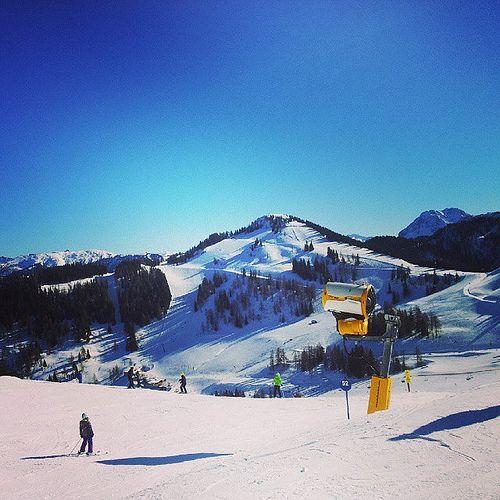 https://flic.kr/p/qVC1YG | Great skiing at Siegi Tours - Best ski package in Austria - www.siegitours.com   #SiegiTours #skiholiday #skideal #skivacation #ski_package #skirenral #SkiAdventure #SkiintheeveningtopofSalzburg #www.siegitours.com #sports #bestofday #skiing #snowboard  #