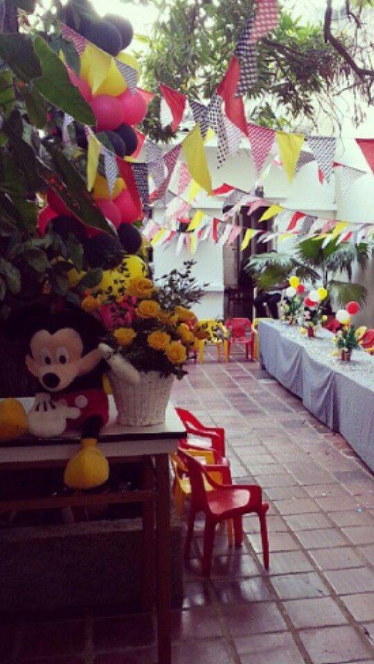 Mickey con rosas