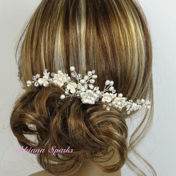 Flower Bridal kam Allison haren kammen door AdrianaSparksBridal