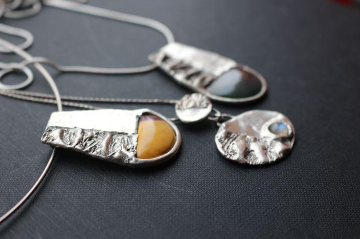 Stříbro, jaspis, achát, labradorit, náhrdelníky z Earth, Sun and Moon kolekce