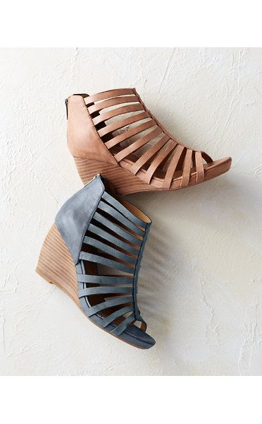 Johnston & Murphy® Nadine Strappy Wedges