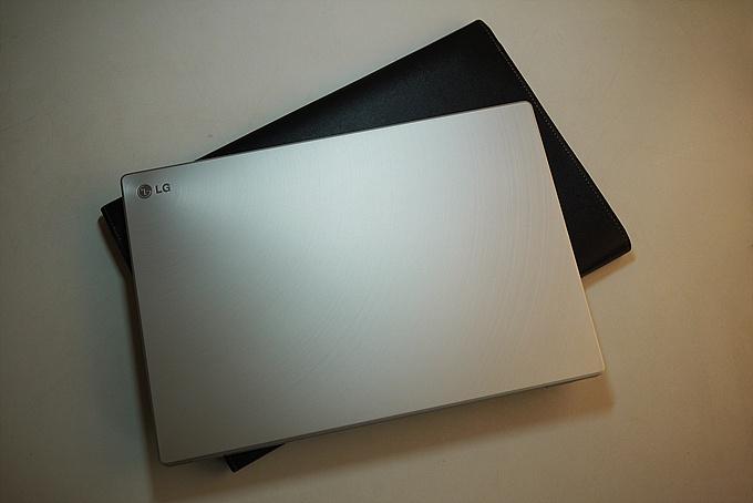 LG xnote Z330 기본 제공 포지 깔끔하고 참 예쁘다.