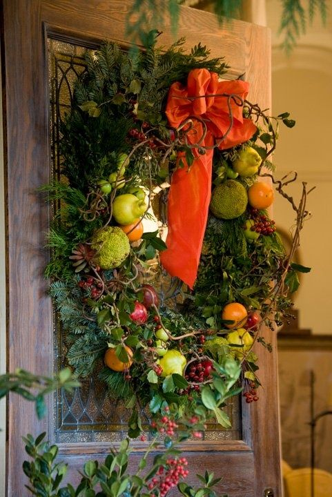 Christmas wreath with citrus fruit & orange bow - Pretty & bright alternative to red