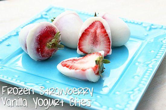 Big Bears Wife: Frozen Strawberry Vanilla Yogurt Bites: Frozen Treats, Yogurt Bites, Frozen Strawberries, Frozen Yogurt Cov, Vanilla Yogurt, Big Bears, Strawberries Vanilla, Healthy Recipes, Bears Wife