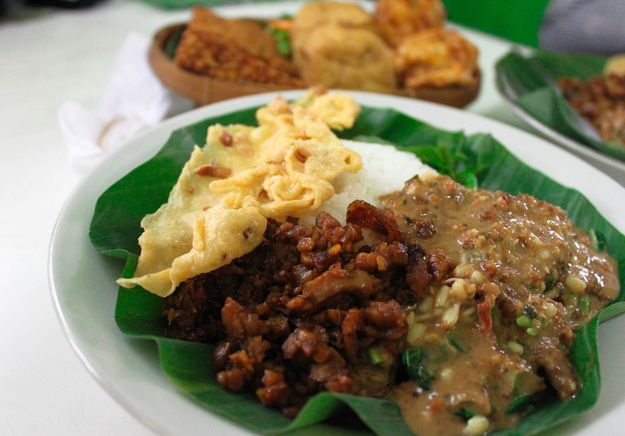 Pecel | Community Post: 30 Delicious Indonesian Dishes You Need To Try