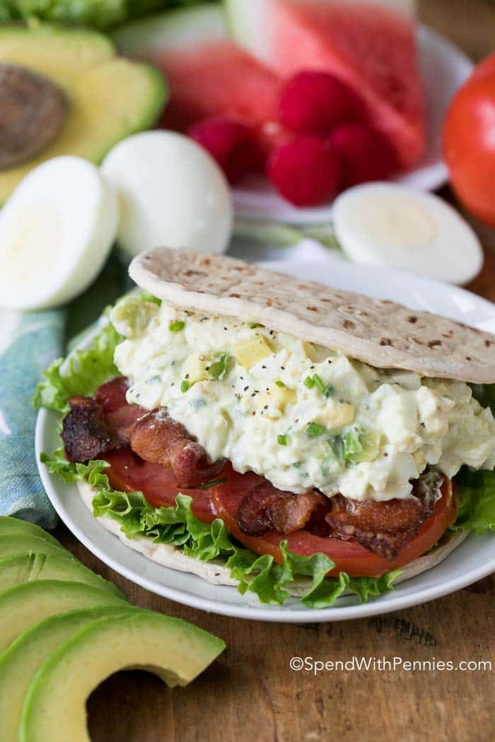 BLT Avocado Egg Salad is the perfect summer meal. Crisp bacon, juicy tomatoes and a creamy avocado egg salad is both quick and easy to make and absolutely delicious!