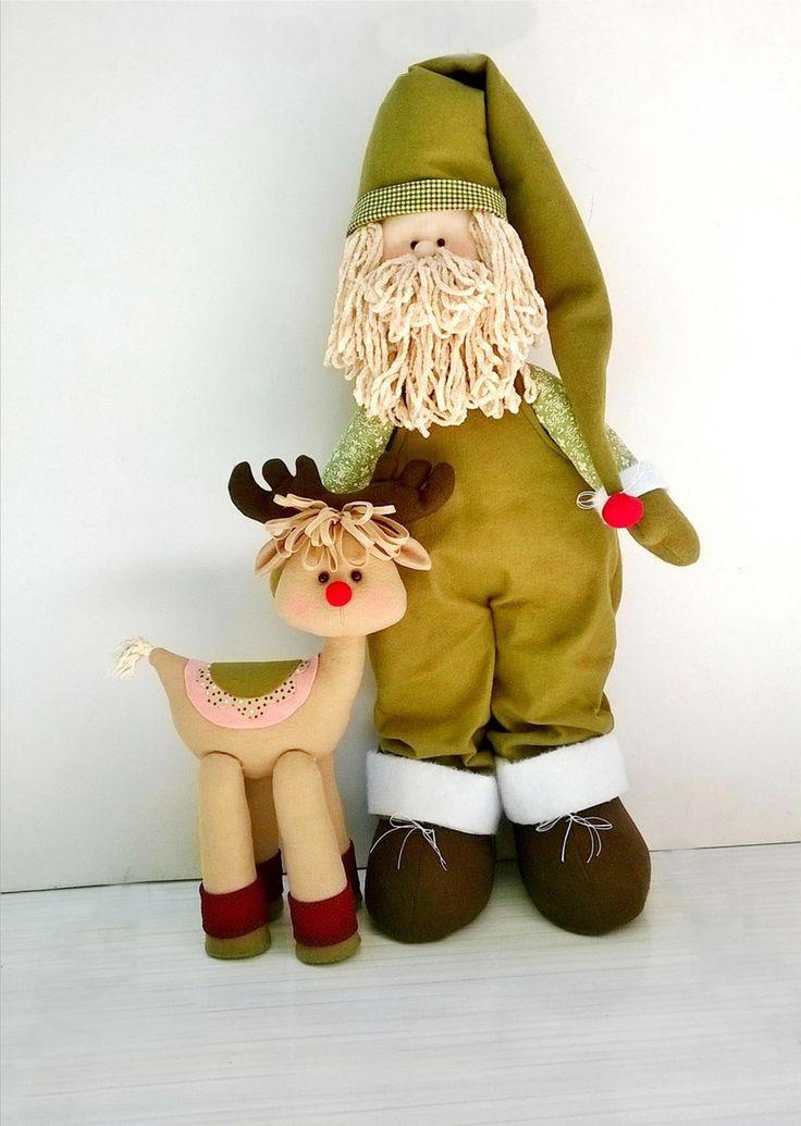 Papai Noel em seu dia de folga com a linda rena do nariz vermelho. Uma ótima ideia para compor a decoração de natal!    Medidas Noel = 60 cm altura  Medidas rena = 40 cm altura