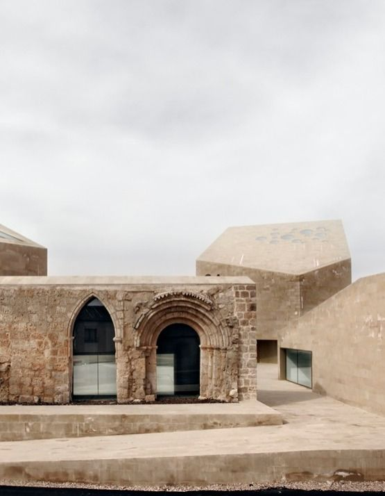 Beautiful integration of old and new. Ribera del Duero Headquarters / Estudio Barozzi Veiga #conservazione #restoration #architecture #architettura