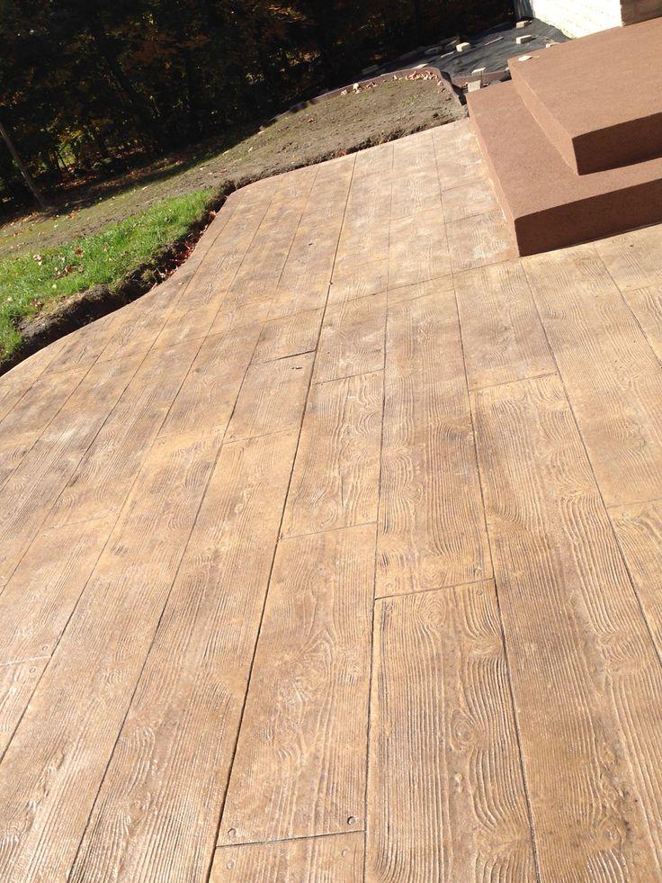 Les 25 meilleures id es de la cat gorie b ton estamp sur - Terrasse beton empreinte bois ...