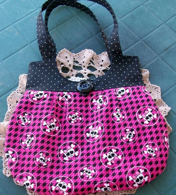 Pink skull and Dots Pleated Purse