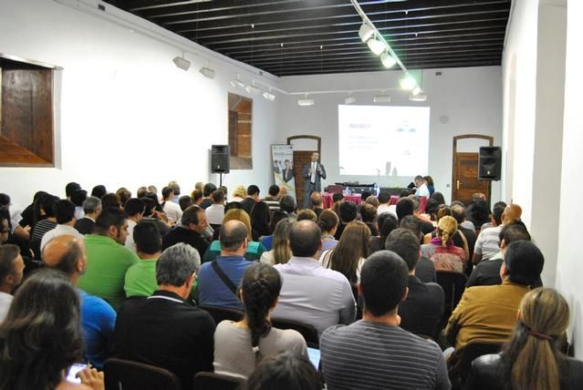 Cámara y ayuntamiento organizan una jornada para analizar las ventajas e inconvenientes de la aventura emprendedora - Cámara de Comercio de Santa Cruz de Tenerife