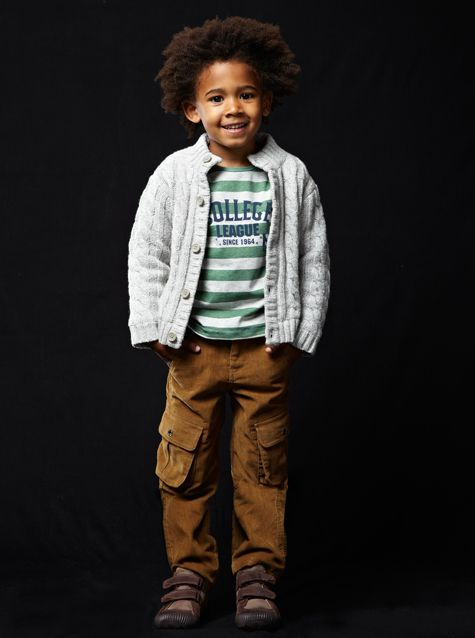 #Gilet boutonné en #tricot / T-shirt réversible / #pantalon en #velours / #baskets bi-matière- collection automne hiver 2013 - wwww.vertbaudet.fr