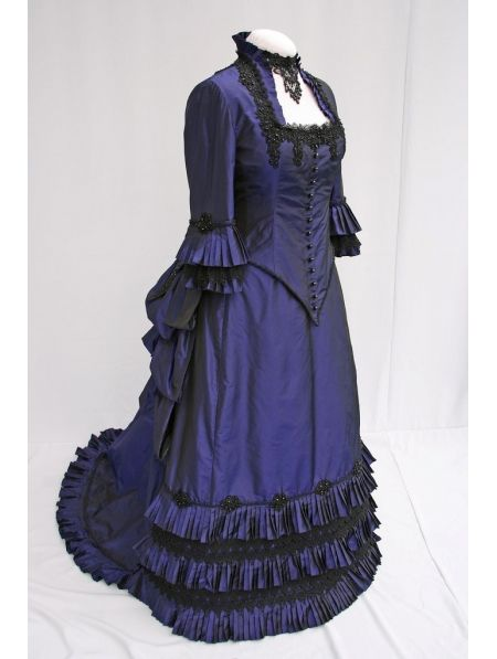 http://g01.a.alicdn.com/kf/HTB1Mw93IpXXXXbRXpXXq6xXFXXXi/Blauw-Satijn-Victoriaanse-Drukte-Baljurk-Victoriaanse-Jurk-Victoriaanse-Drukte-Jurk-Kostuum.jpg