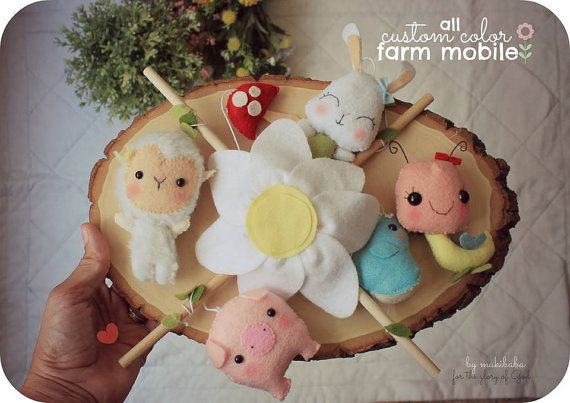 BABY MOBILE Farm baby shower  Baby Lamb Felt Pig Pink di mukibaba