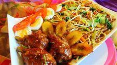 Surinaams eten – 5-Sterren Bami Trafasie (bami met ketjap kip, gebakken banaan, paksoi en taugé)