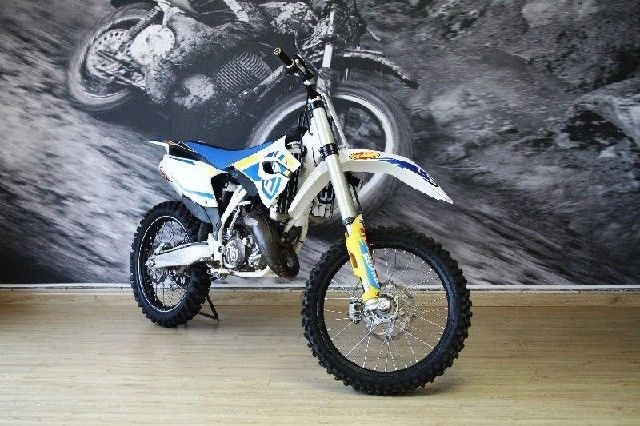 HUSQVARNA TC 125 FOR ONLY R 1100 P/M OR CASH FOR R 49,000 FOR MORE INFO GO TO www.teamcit.co.za OR CALL 0123428571