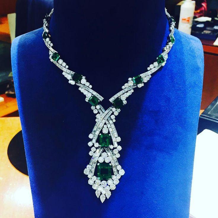 Stunning Deco! #artdeco #antique#diamondnecklace #mmjewelers #muzoemeralds #colombianemerald