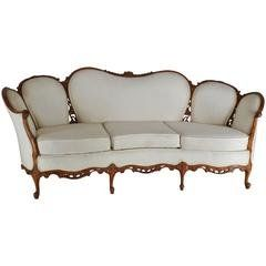 Early 20th Century Victorian Era Tufted Leather Chesterfield Sofa