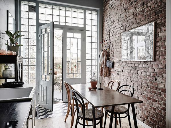 You simpley MUST see this AMAZING Swedish Apartment in Gothenburg!   Click on link to see it and to read blog post!  #home #room #house #vogue #elle #interior #homedecor #room #homeandgarden #howto #beautiful #goteborg #inredningstips #inredningsblogg #ikea #pinterestboard #hytteliv #bolig #howto #hemnet #gothenburg #interiordesign #interiorinspiration #interiors #hytteliv #göteborg #mäklaregöteborg #mäklare