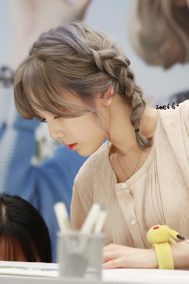 silver haired taeyeon !!