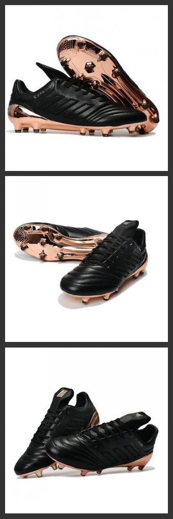 Le più amate scarpe da calcio Adidas diventano sempre più belle con le scarpe da calcio copa 17.1 FG, aggiornate per le esigenze del calcio moderno con l'impiego di alta tecnologia per assicurare il massimo comfort.Nuovi Scarpe da Calcio Adidas Copa 17.1 FG Oro Nero