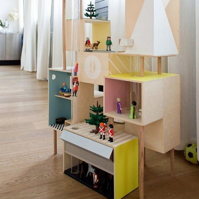 DIY pour les enfants : 10 maisons de poupée à faire soi-même | Maison playmobil, Deco chambre ...