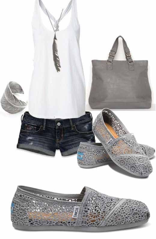 Toms Casual Shoes Womens casual toms shoe. Can wear up or folder down. Size w7 TOMS Shoes Ankle Boots Booties